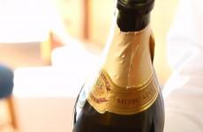 4-シャンパンのかっこいい開け方